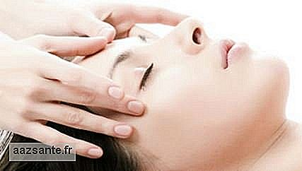Dermoconjunctive massage softens wrinkles and furrows and improves facial flaccidity