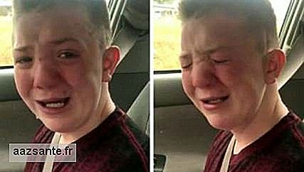 Boy broke down about bullying that suffers at school and receives support in social networks