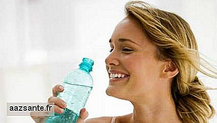 Drinking water during meals does not make you fat, but sugary drinks do