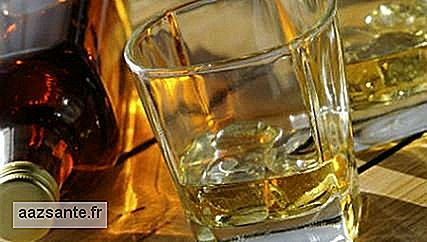 Alcohol consumption by the mother during pregnancy may increase the risk of oral cracking in the baby